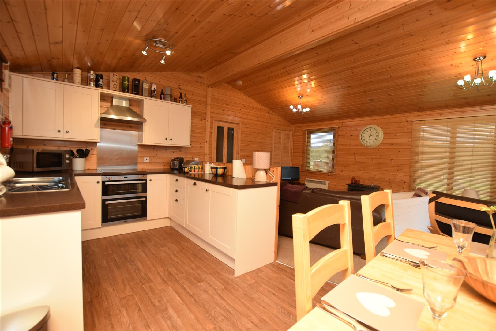 2, Whitehills Lodge, Glenisla, Perthshire, PH11 8PF, UK